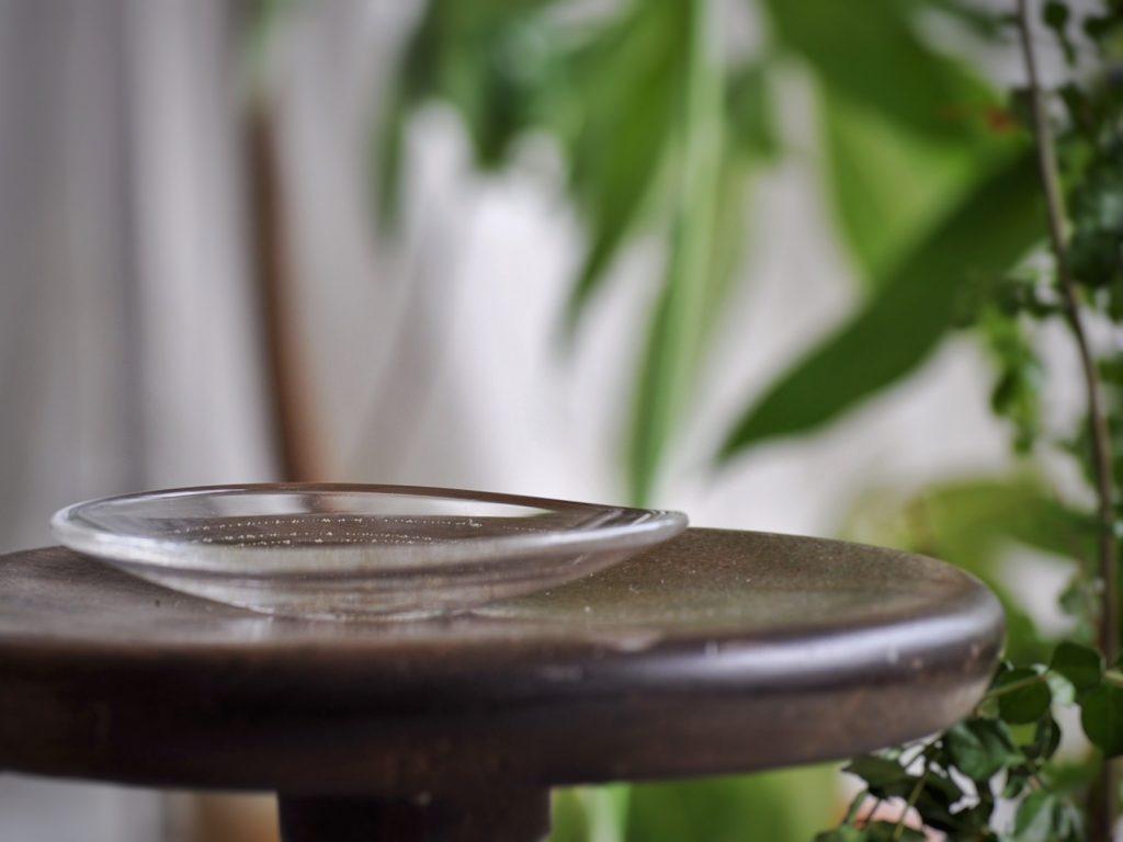 曽田伸子さんの真鍮泡小皿   お料理を盛って