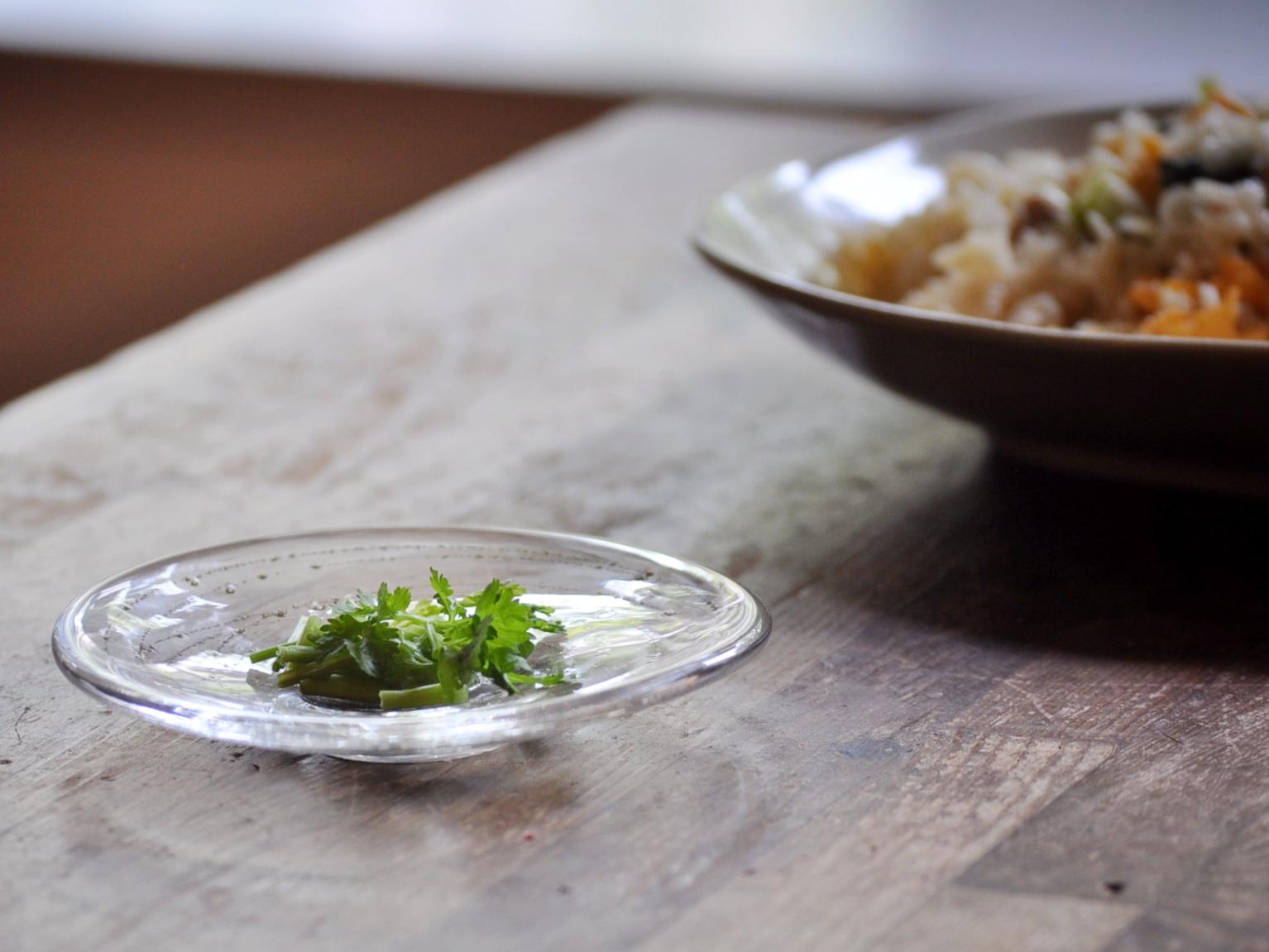お料理を盛って|曽田伸子さんのガラス皿