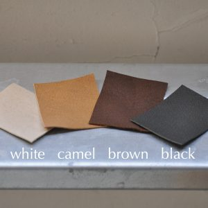 バッグの革の色が選べるようになりました!
